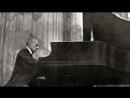 Sensation! Rachmaninoff plays his Symphonic dances, op.45