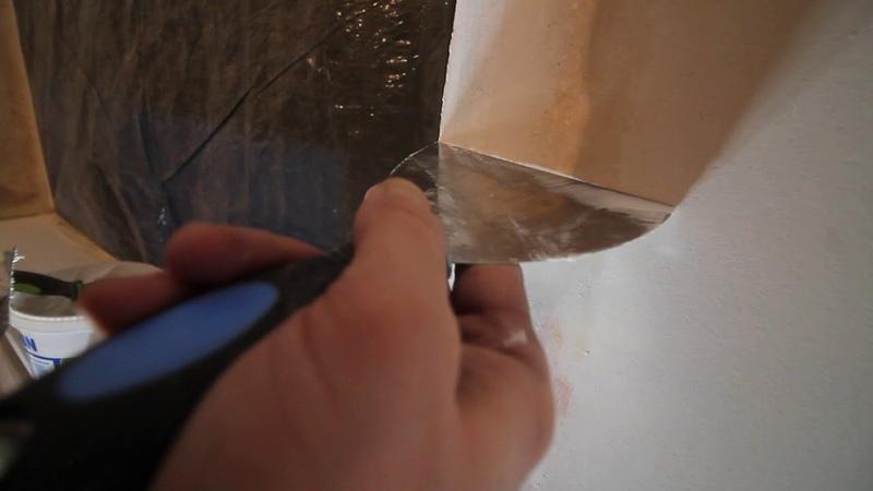 Шпаклевка откосов с применением специальной углозащитной ленты