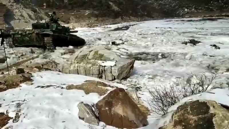 Т 72 ВС Индии на границе с Китаем Высота 4500 метров