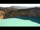 Флорес цветные озера вулкана Келимуту.
