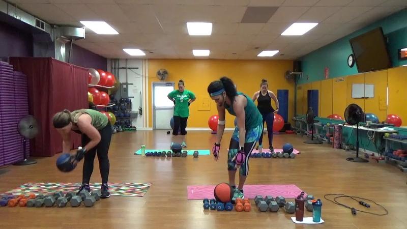 Yvette Bachman - 30 Minute Shoulder/Cardio/Core Workout | Интервальная тренировка с акцентом на кор и плечи
