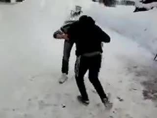 Уличная драка. Русский против кавказца один на один