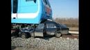 5 18 Автоаварии с поездами - это жесть ! Подборка жестоких ДТП HD