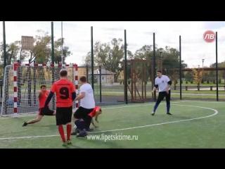 Торговые сети региона сыграли в мини-футбол
