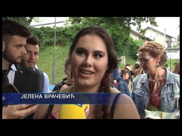 Derventa- Maturanti Stručne i tehničke škole blistali uprkos kiši 2 6 2019