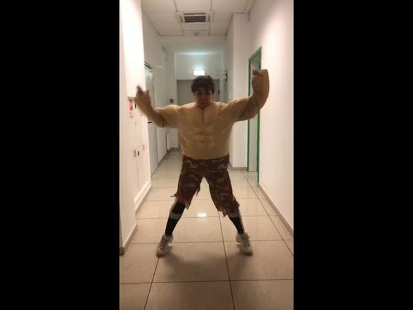 Альбина Кабалина танцует