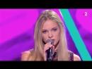 Julia chante SEXTO pour la première fois à la télé