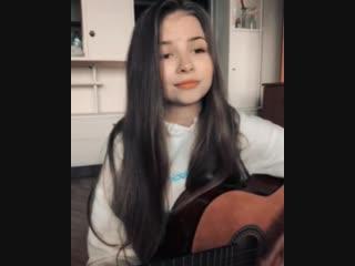 Маленькая девушка спела песню Валентина Стрыкало!