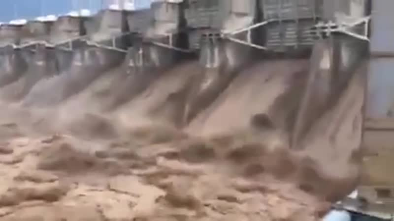 Масштабное наводнение в Ираке. Large-scale flooding in Iraq.