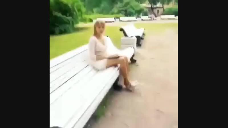 😂😂😂редкая девушка! Вымирающий вид!))
