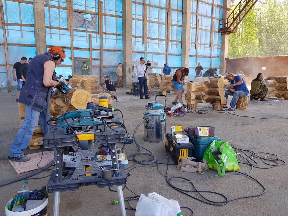 Сореванования плотников и отделочников в самом разгаре