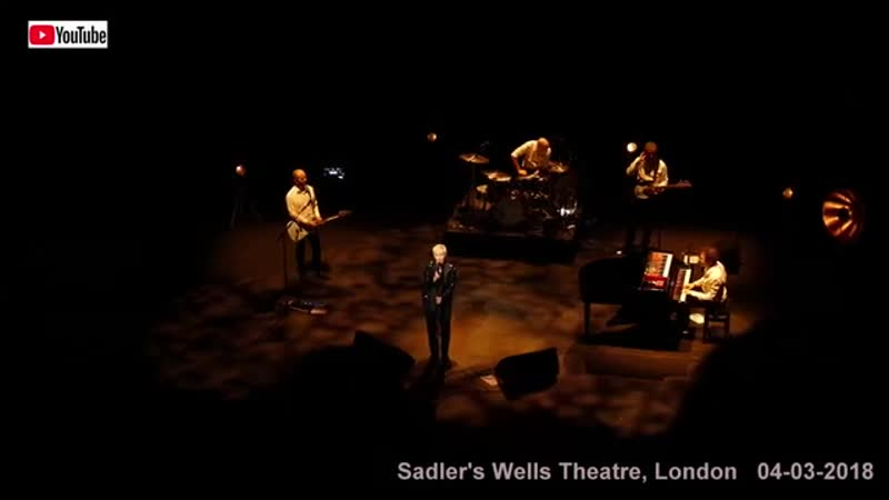 Annie Lennox live - There Must Be An Angel, Playing With My Heart Yeah.l (4K), Sadler's Wells Theatre, In London March 04 2018,