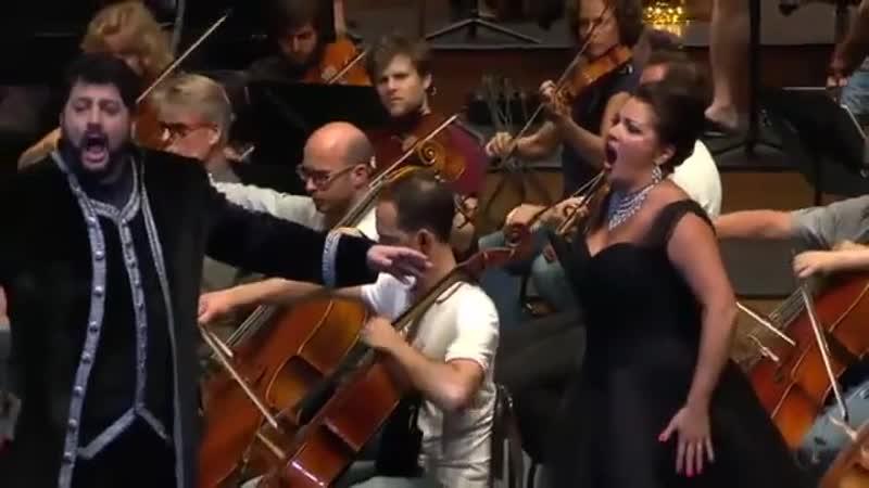 Anna Netrebko and Yusif Eyvazov sing Manon Lescaut