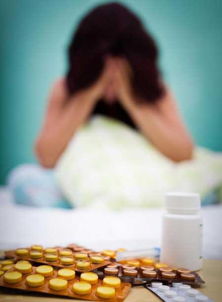 У некоторых пациентов развивается зависимость от отпускаемых по рецепту болеутоляющих средств, и им требуется терапия для преодоления зависимости. Терапия наркоманий ➤
