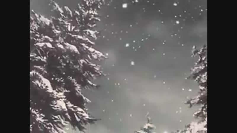 Снег кружится.mp4