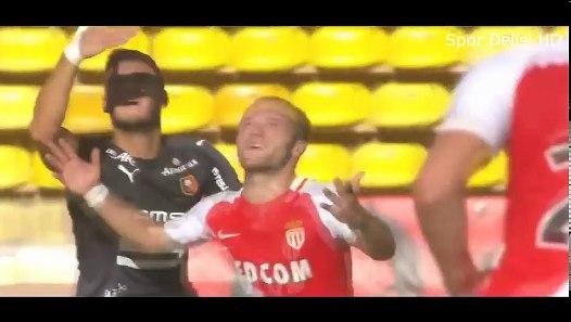 Futbolda Komik Anlar 2017 ▶ Kaçan Goller, Kaleci Hataları, Başarısız Çalımlar ᴴᴰ - Dailymotion Video