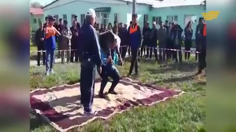 40 кг қойды 111 рет көтерген қазақ қызы Айым Нұржанова