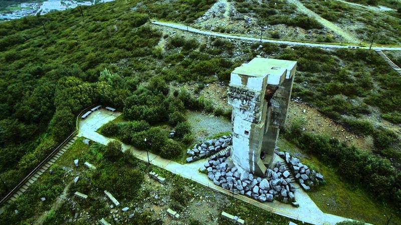 Монумент Маска скорби Магадан 2014