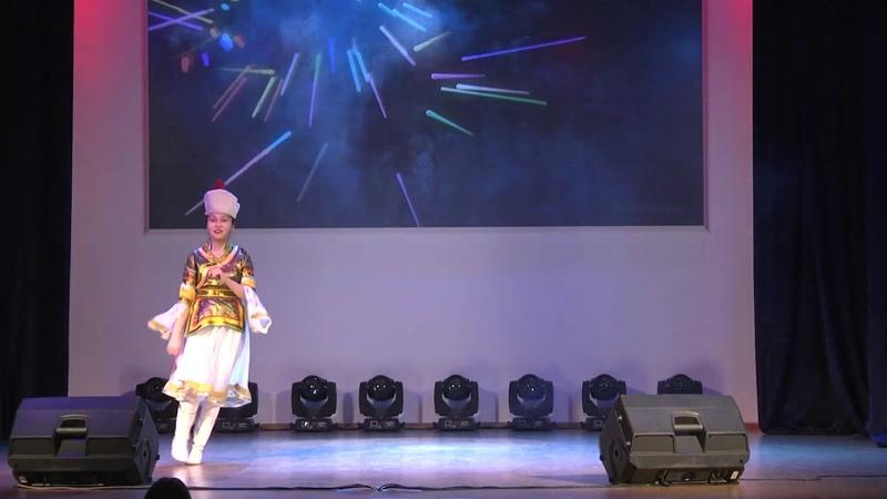 Дугарова Туяна - бурятский танец. Фестиваль ДНК в ТПУ. 2018