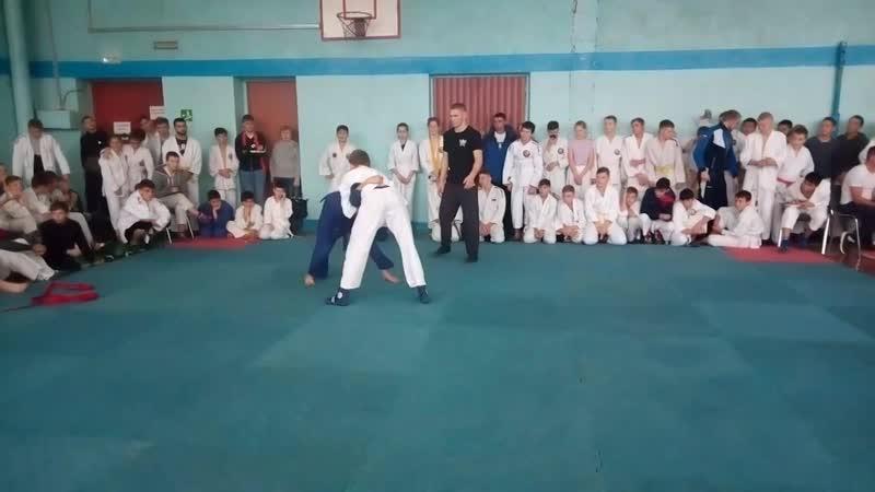 Нуров А синий 2 бой