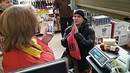 Директор магазина ставит потребителя на колени😱🤯 Из за просрочки