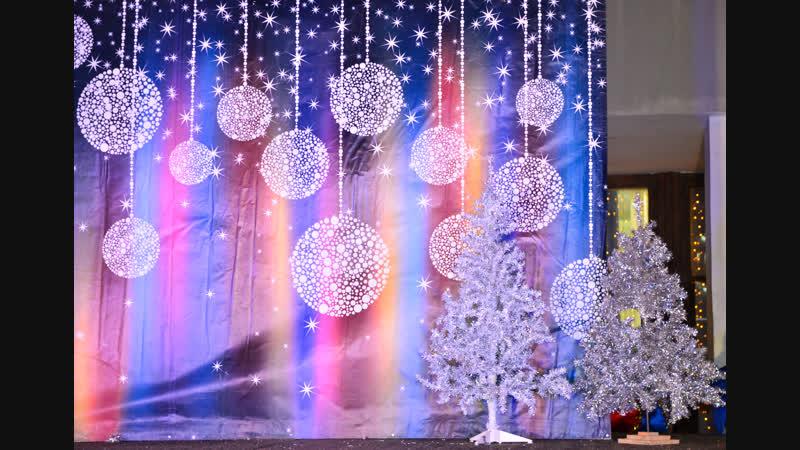 Оленегорск, праздничное зажжение огней на Новогодней ёлке!