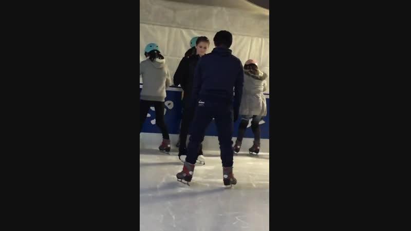 東京スカイツリー フィギュアスケート教室 ユーリャ