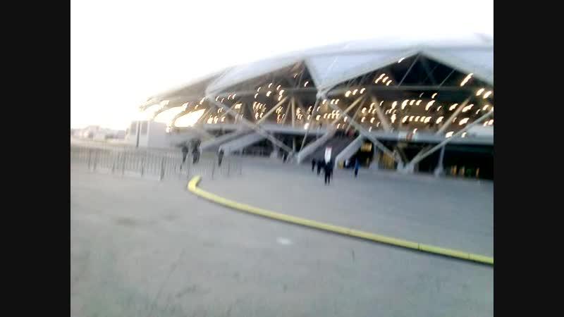 Перед входом на стадион Самара-Арена