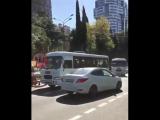 Автобус против кроссовера. ДТП в Сочи