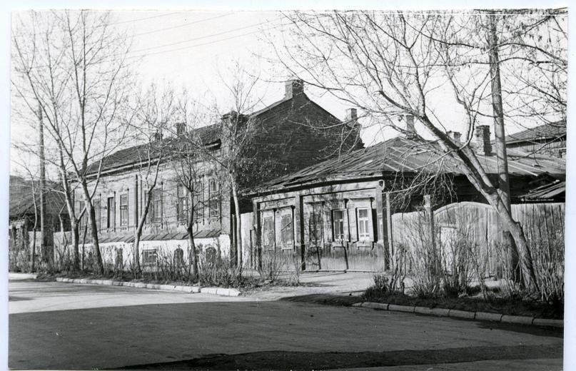 1970 год. Улица Советская, 16-18 (справа налево). Фотография из фонда Государственного исторического музея Южного Урала