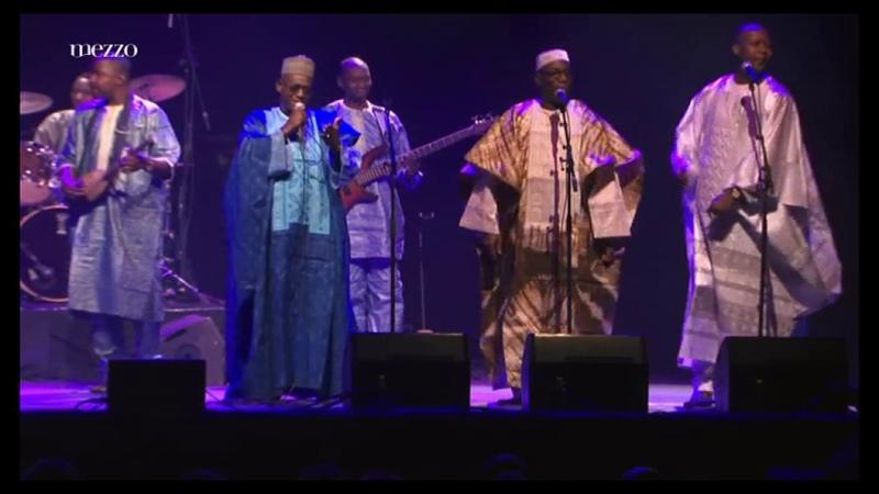 Toumani Diabate le Symmetric Orchestra - Banlieues Bleues 2013