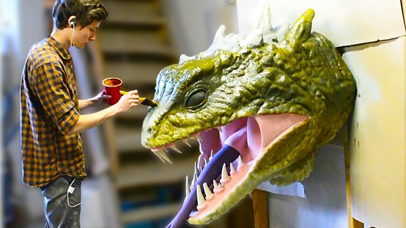 THIS ARTIST CREATES FANTASTIC SCULPTURES OF MOVIE CHARACTERS