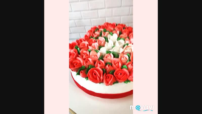 Торт сердце -букет роз