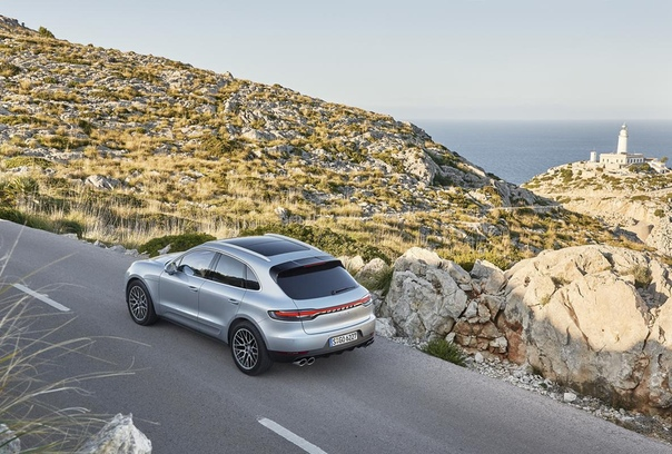 До России добрался обновленный Porsche Macan S. В семействе обновленного Porsche Macan появилась версия Macan S c турбированным двигателем V6. Новинка предлагается с полным приводом,