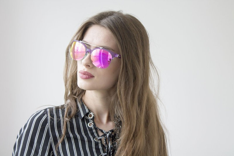 Поликарбонатные очки могут помочь снизить риск развития катаракты.