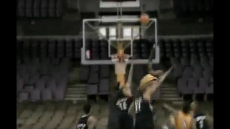 NBA- Shaquille Oneal dunks over the Blazers
