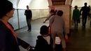 Виолончелист в метро играет от души. Москва. 12 сентября 2018 г.