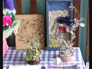В Петровской школе прошла выставка детских рисунков «Мир добра и красоты»