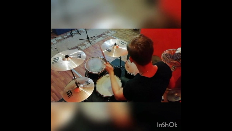 Барабанный грувзаполнение с использованием парадидла