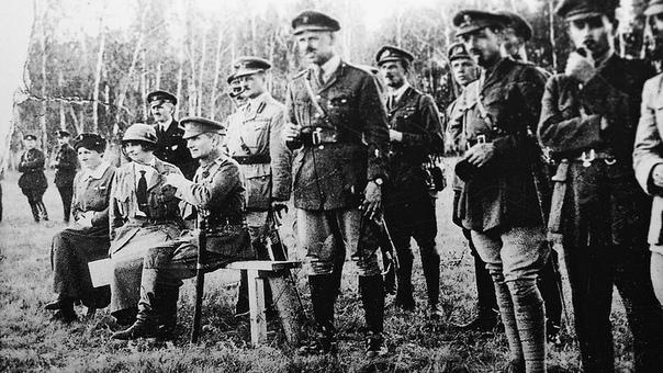 Царские и белые офицеры на службе Республики Советов