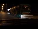 Автобус на остановке заложили бетонными блоками с двух сторон