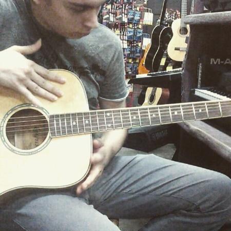 "Jerohn Dyovis on Instagram: ""музыка гитара мелодия фингерстайл россия москва музыкант music musician fingerstyle guitar crafter melody..."
