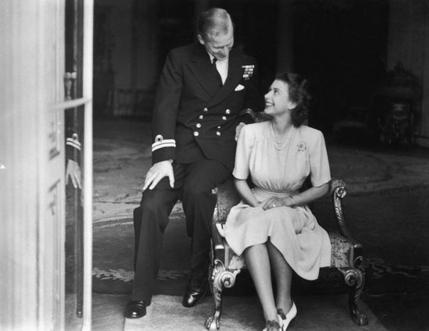 История любви королевы Елизаветы II и принца Филиппа Сказка о настоящих принце и принцессе, которая длится уже больше 70 лет.ПроисхождениеЕлизавета родилась в 1926 году, ее родители король Георг