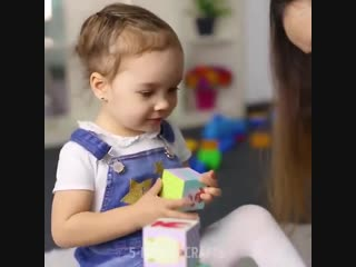 Игра в кубики развивает у ребенка навыки логического мышления 🔷🔶🔹