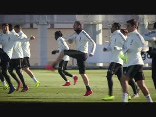 Limbering up for Lazio - Juventus Weekly Workout