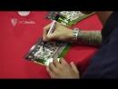 Locura en el acto de firmas de la E F SFC Antonio Puerta en @CCMetromar con @simonkjaer198