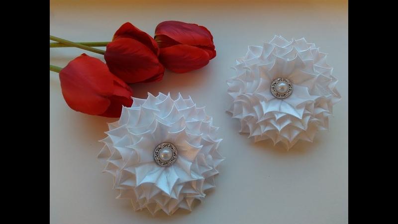 Пышные белые бантики из лент 2 5 см МК Канзаши Lush white bows of ribbons 2 5 cm MK Kanzashi