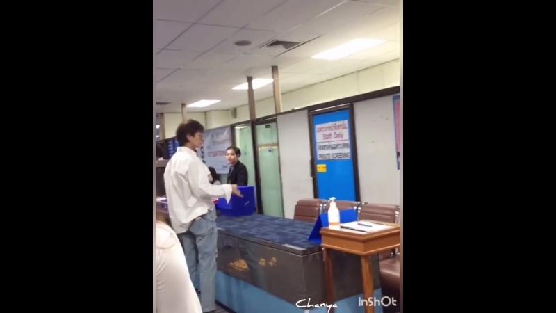 Chanya JG Instagram JG depart from Chiang Rai Airport 2018101 jgthaifamily leejoongi leejunki actor jg