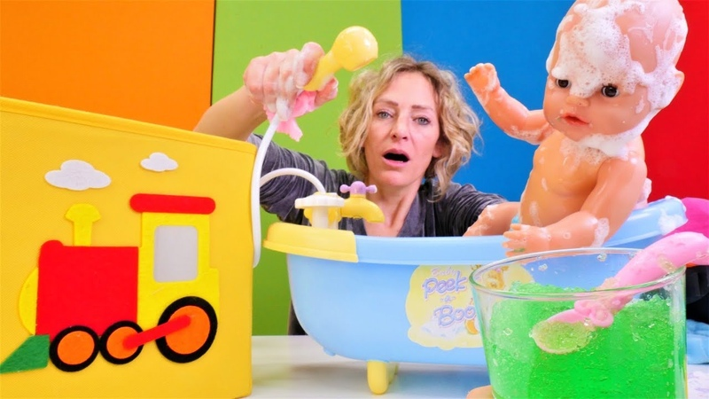 Die Wunderbox Nicole badet das Baby Spielspaß mit Baby Born