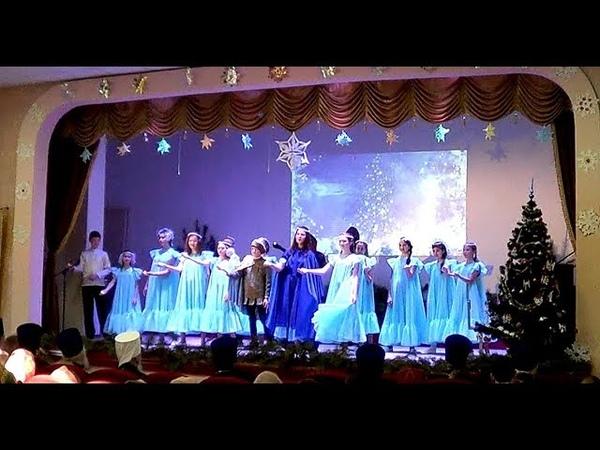 Тихвинские Славичи Христос Рождается славити!